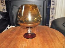 ELEGANT AMBER BODY & BASE BALLOON BRANDY GLASS VASE CLEAR STEM 8""